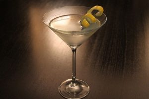 Prepara un Vesper Martini, el cóctel de James Bond
